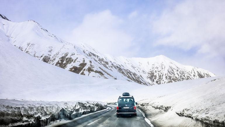 Горы Кавказа в Грузии.
