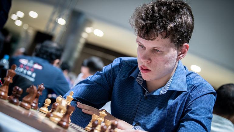 Самый результативный гроссмейстер  в составе сборной России Владислав АРТЕМЬЕВ во время турнира в Астане.