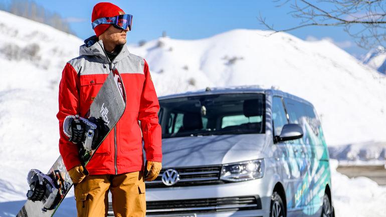 Один из самых известных серферов, путешественник и амбассадор марки Volkswagen Коммерческие автомобили в России Сергей Расшиваев.