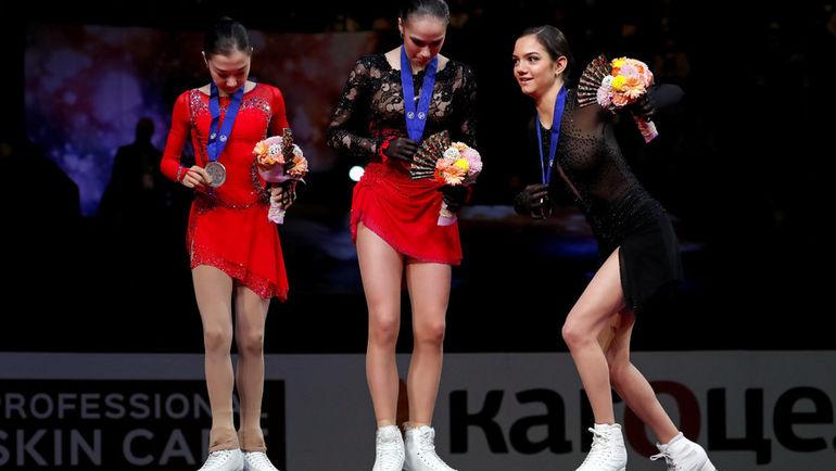 22 марта. Сайтама. Евгения Медведева (справа), Алина Загитова (в центре) и Элизабет Турсынбаева. Фото REUTERS