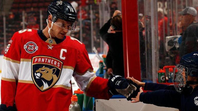 Александр Барков. Фото НХЛ