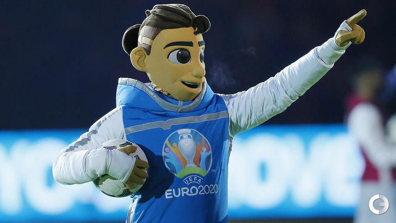 Талисман Евро-2020 Скиллзи - веселый и добродушный подросток, который обожает красивые трюки с мячом и любит посоревноваться в их исполнении.