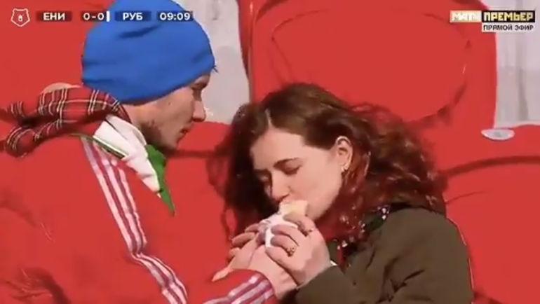 """""""Любовь это..."""" - так пошутил """"Рубин"""" о кадрах своего матча с """"Енисеем""""."""