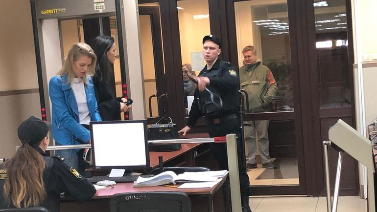 "Среда. Пресненский суд. Алана Мамаева прибыла на заседание по делу ее мужа Павла Мамаева. Фото ""СЭ"""