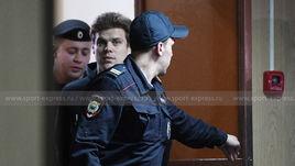 3 апреля. Москва. Александр Кокорин в здании суда.