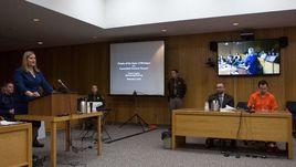 Ларри Нассер в зале суда.