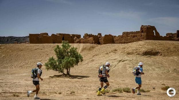 10 апреля. Остатки древних крепостей встречаютя на пути участникам марафона. Фото AFP
