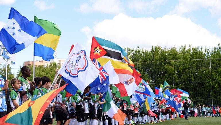 """""""Футбол для дружбы"""" объединяет 211 стран и регионов мира."""