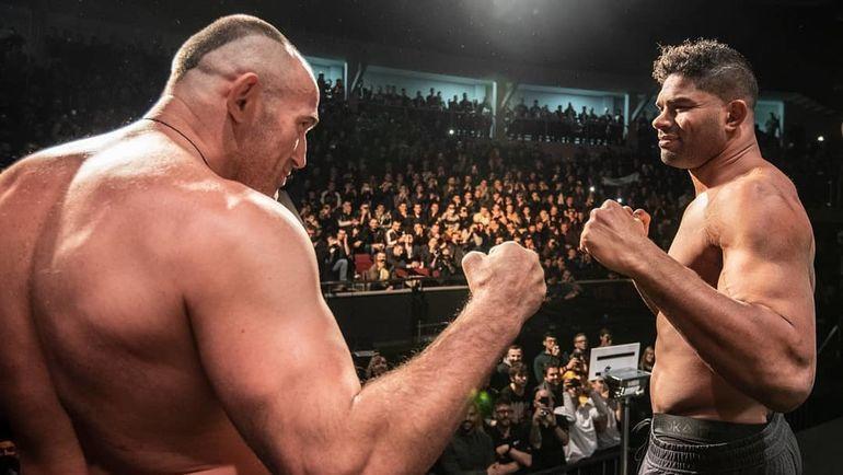 19 апреля. Санкт-Петербург. Алексей Олейник (слева) и Алистар Оверим. Фото UFC