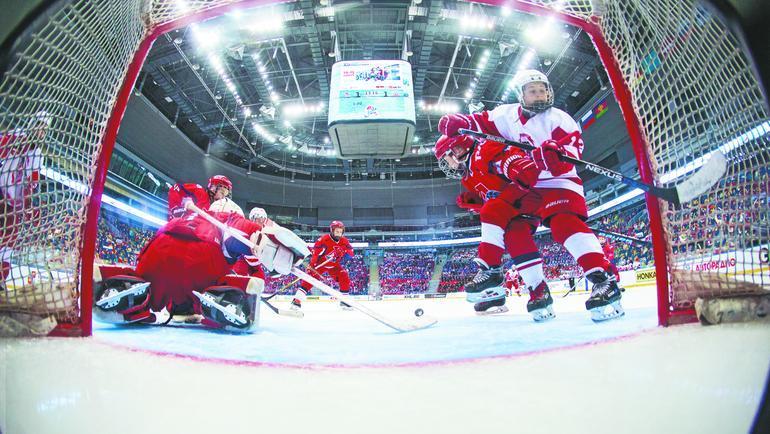 Дорога в большой хоккей  начинается на олимпийском льду. Фото Дмитрий Ловецкий