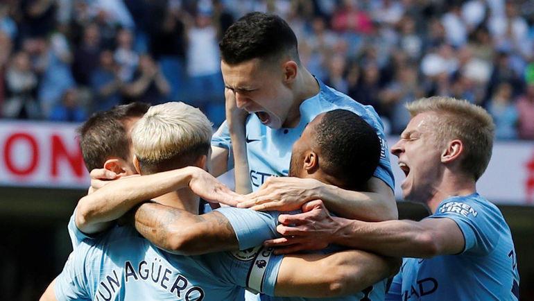 """20 апреля. Манчестер. """"Манчестер Сити"""" - """"Тоттенхэм"""" - 1:0. Фил Фоуден празднует дебютный гол в премьер-лиге. Фото AFP"""
