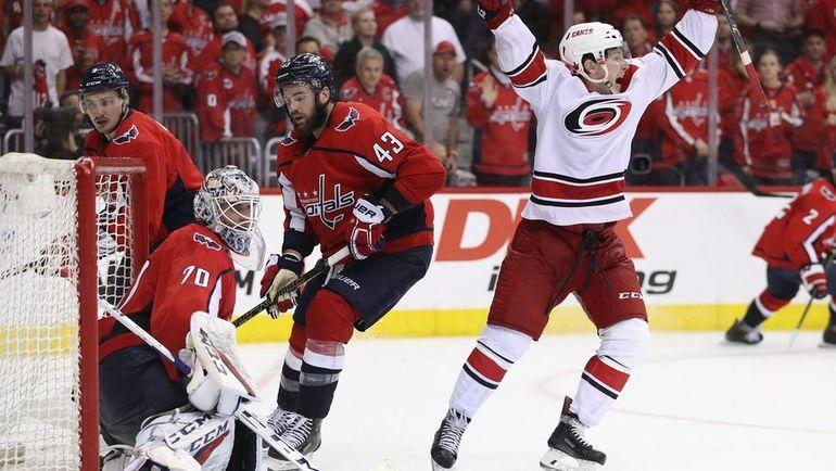 """""""Вашингтон"""" - """"Каролина"""" - 3:4 2ОТ. Брокк Макгинн забросил победную шайбу в ворота """"Кэпиталз"""". Фото НХЛ"""