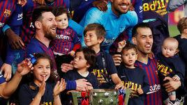 "27 апреля. Барселона. ""Барселона"" – ""Леванте"" – 1:0. Лионель Месси (слева)."