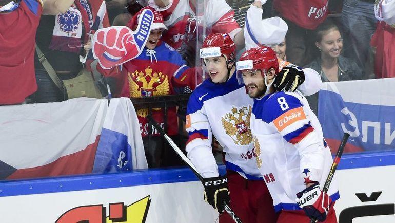 Евгений Малкин (№11) и Александр Овечкин вместе на льду - не только на Олимпиаде-2014, но и на ЧМ-2015. Фото AFP