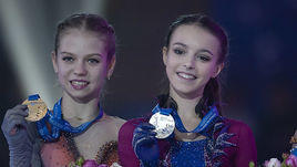 23 декабря. Саранск. Александра Трусова, Анна Щербакова и Алена Косторная (слева направо).