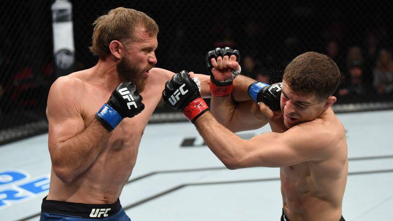 Дональд Серроне (слева) победил Эла Яквинту. Фото UFC