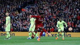 """7 мая. Ливерпуль. """"Ливерпуль"""" – """"Барселона"""" – 4:0. 79-я минута. Дивок Ориги забивает четвертый гол."""