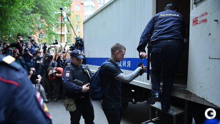 """""""Обязательно подадим апелляцию"""". Кто что сказал после объявления приговора Кокорину и Мамаеву"""