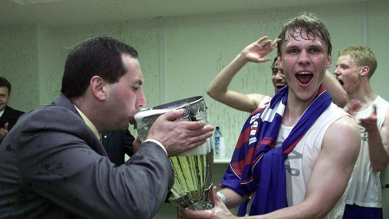 17 лет назад ЦСКА выиграл первый трофей при Гинере. Игроки так праздновали, что сломали кубок
