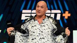 Тайсон на рубашке Тайсона. Невероятный вид Фьюри