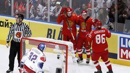 13 мая. Братислава. Россия - Чехия - 3:0. Никита Гусев (№97) забросил вторую шайбу в ворота чехов.