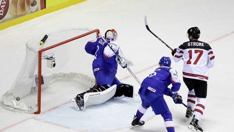 """13 мая. Кошице. Словакия – Канада – 5:6. """"Кленовые"""" провели победный гол за 1,8 секунды до сирены. Фото Reuters"""