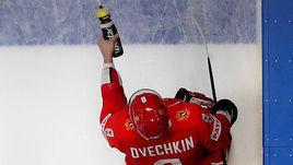 15 мая Братислава. Россия - Италия - 10:0. Александр Овечкин сходил после матча с чехами в ресторан, а во встрече с итальянцами забил первый гол на турнире.
