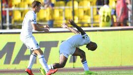 """19 мая. Тула. """"Арсенал"""" - """"Краснодар"""" - 0:3. Виктор Классон поздравляет с голом Ари."""