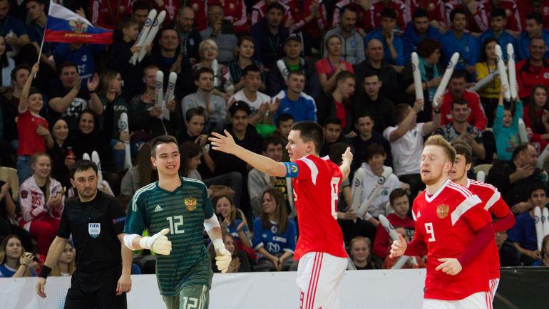 Сборная России U-19 завершила сезон контрольными матчами в Риге. Фото Юлия Кубик