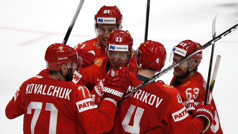 21 мая. Братислава. Швеция - Россия - 4:7. Радость российских хоккеистов после очередной шайбы. Фото Reuters