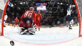 25 мая. Братислава. Россия - Финляндия - 0:1. Андрей Василевский не смог отбить этот бросок.