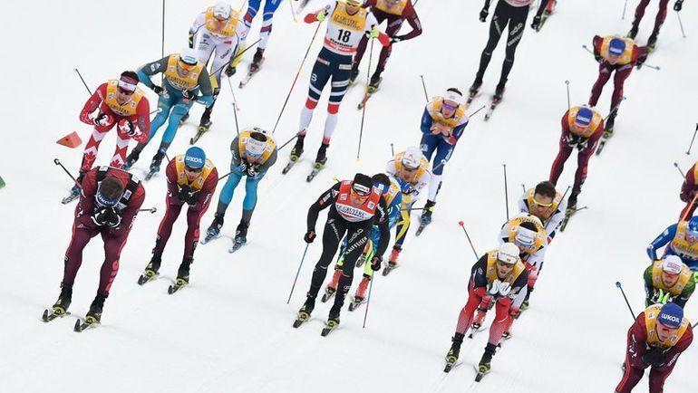 6 января 2018 года. Валь-ди-Фьемме. Лыжники во время 15-километрового масс-старта на этапе Тур де Ски. Фото AFP