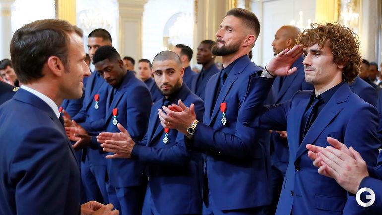 4 июня. Париж. Антуан Гризманн почти повторил жест Артема Дзюбы на приеме у президента Франции.