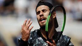 6 июня. Париж. Карен Хачанов во время четвертьфинала Roland Garros с Домиником Тимом (2:6, 4:6, 2:6).