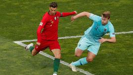 9 июня. Порту. Португалия - Голландия - 1:0. Криштиану Роналду против Матейса де Лигта.