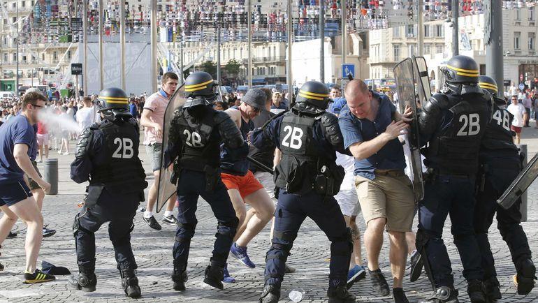 11 июня 2016 года. Марсель. Драка в городе перед матчем Англия - Россия. Фото Reuters