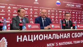 Почему Черчесов не выпустил Чалова и Комличенко?