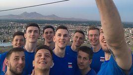 Сборная России готовится к матчу Лиги наций в Иране.