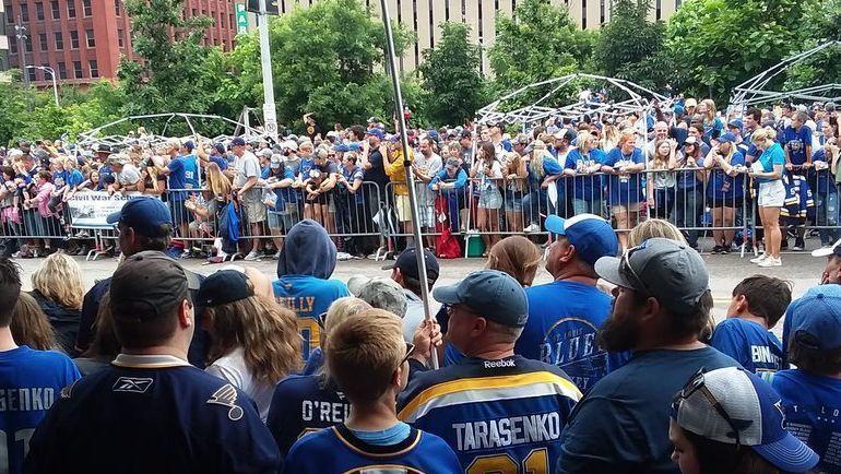 """Чемпионский парад """"Сент-Луиса"""". Фото https://twitter.com/Zmarti3s101"""