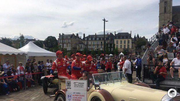 15 июня. Ле-Ман. Парад перед стартом знаменитой автогонки. Фото Дмитрий Кузнецов,