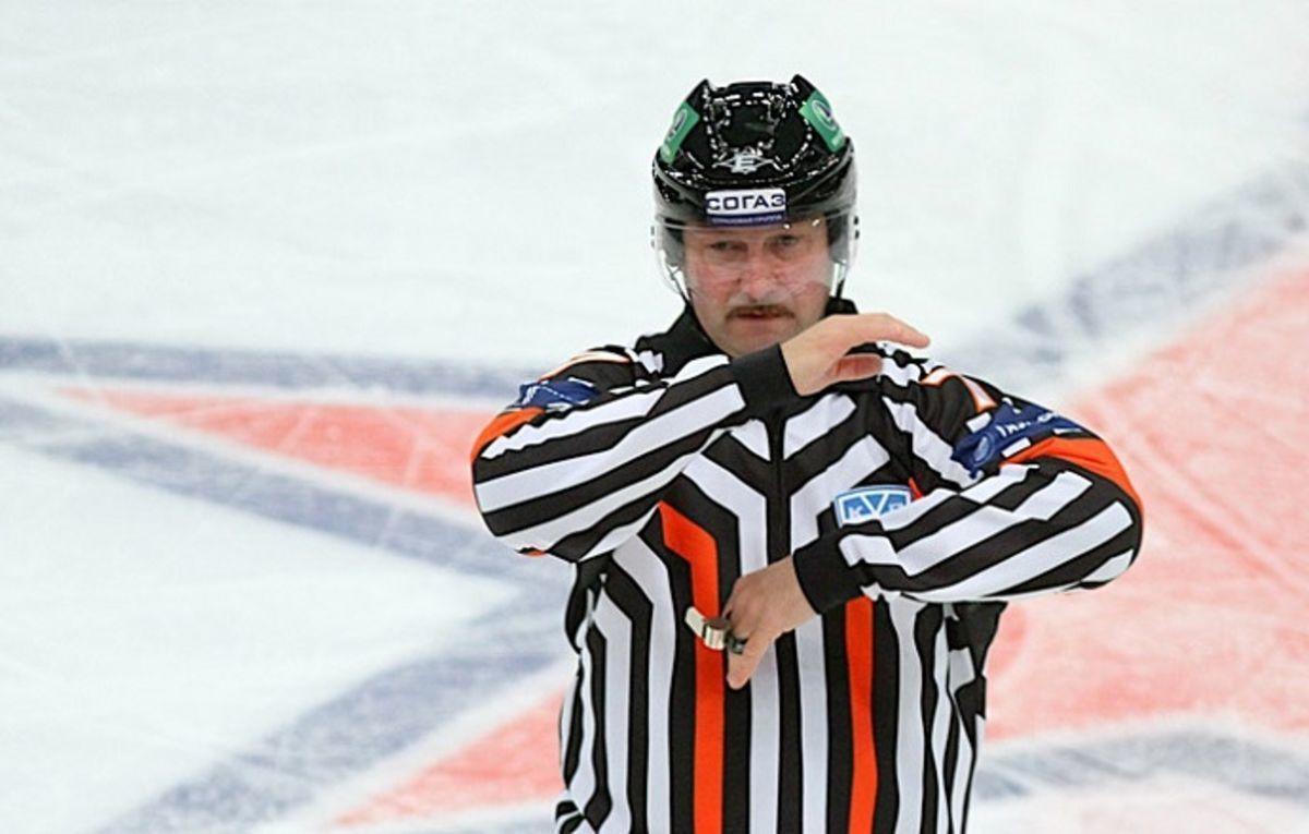 Трагедия в хоккейном мире. Известный судья умер во время тренировки