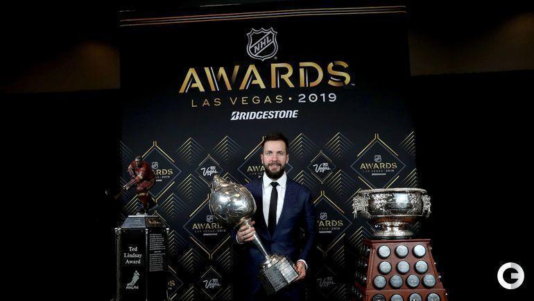 19 июня. Лас-Вегас. Никита Кучеров со своими призами НХЛ.