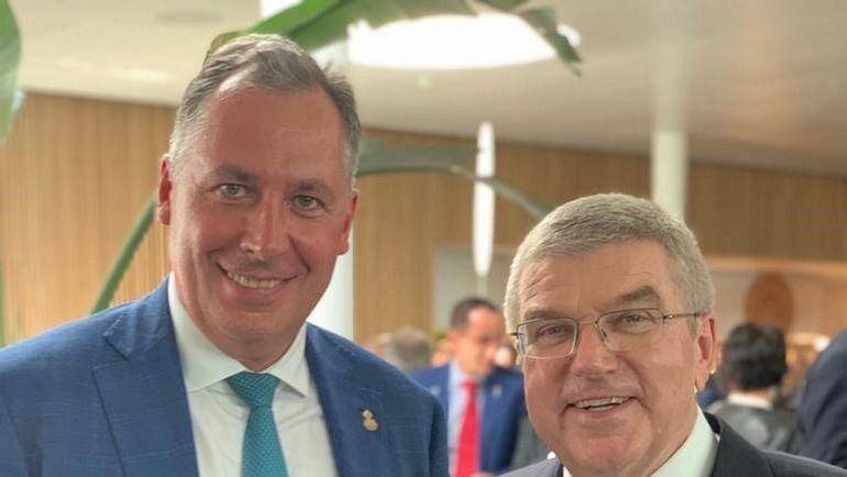 Президент ОКР Станислав Поздняков и глава МОК Томас Бах.