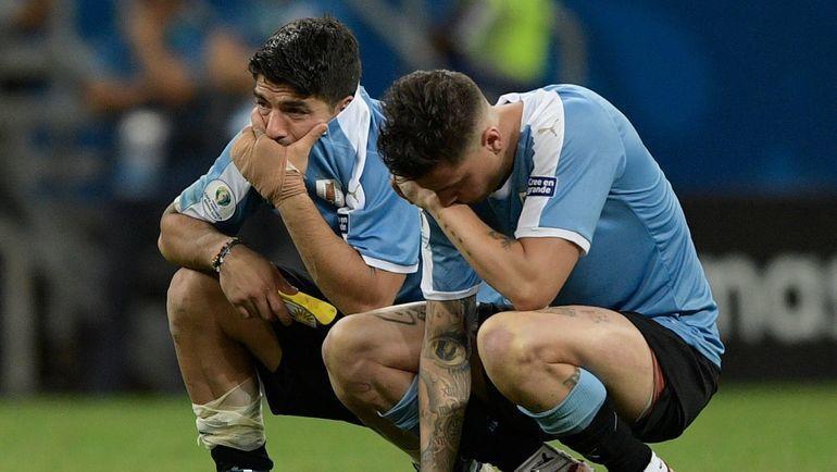 29 июня. Салвадор. Уругвай - Перу - 0:0, пенальти - 4:5. Луис Суарес и Хосе Хименес. Фото AFP