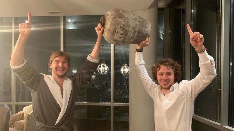 Сергей Бобровский (слева) и Артемий Панарин: дальше - так же вместе? Фото Инстаграм