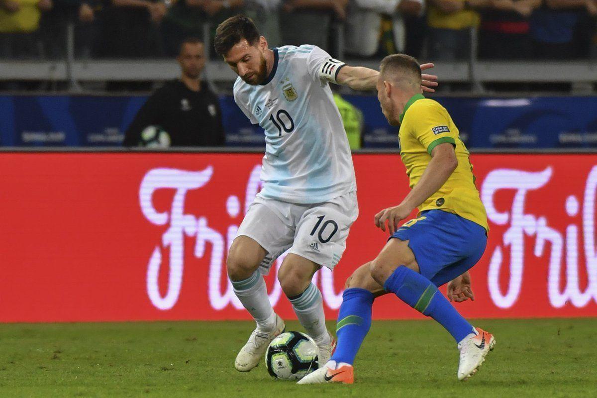 Месси снова не у дел. Бразилия - в финале Кубка Америки