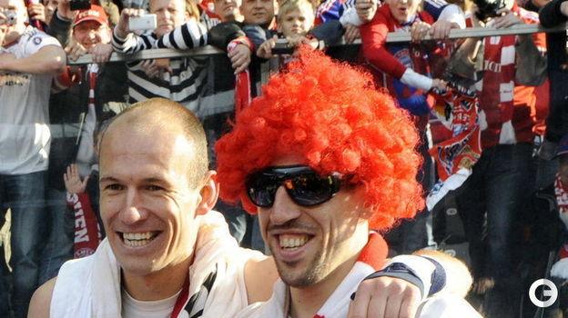2010 год. Арьен Роббен и Фран Рибери празднуют победу