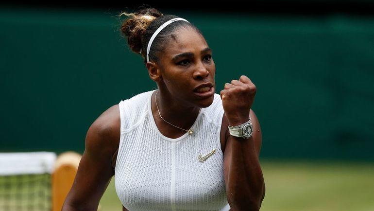 9 июля. Лондон. Серена Уильямс празднует победу в матче против Элисон Риске - 6:4, 4:6, 6:3. Фото AFP