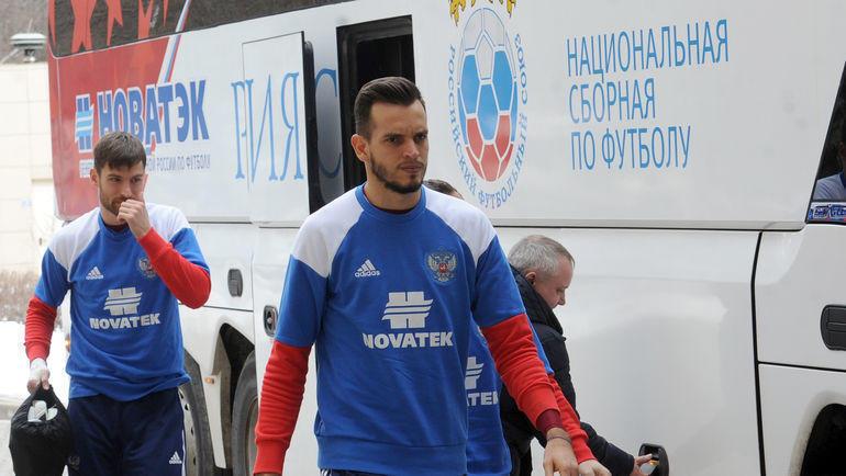 Гильерме (справа) и Станислав Крицюк: кто из вратарей сменит клуб этим летом? Фото Алексей Иванов