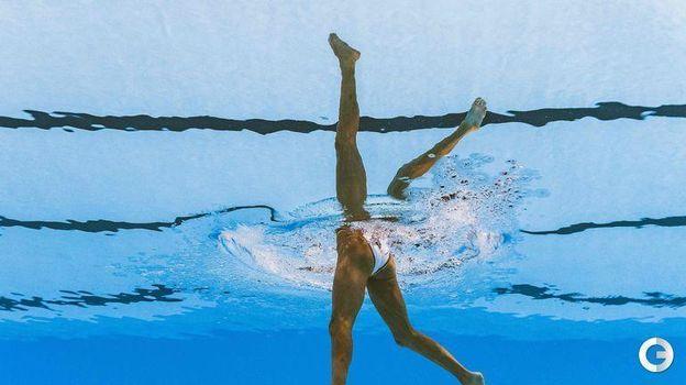 Крутой кадр испанской синхронистки Олы Карбонель - отражение от воды дает потрясающий эффект. Фото AFP
